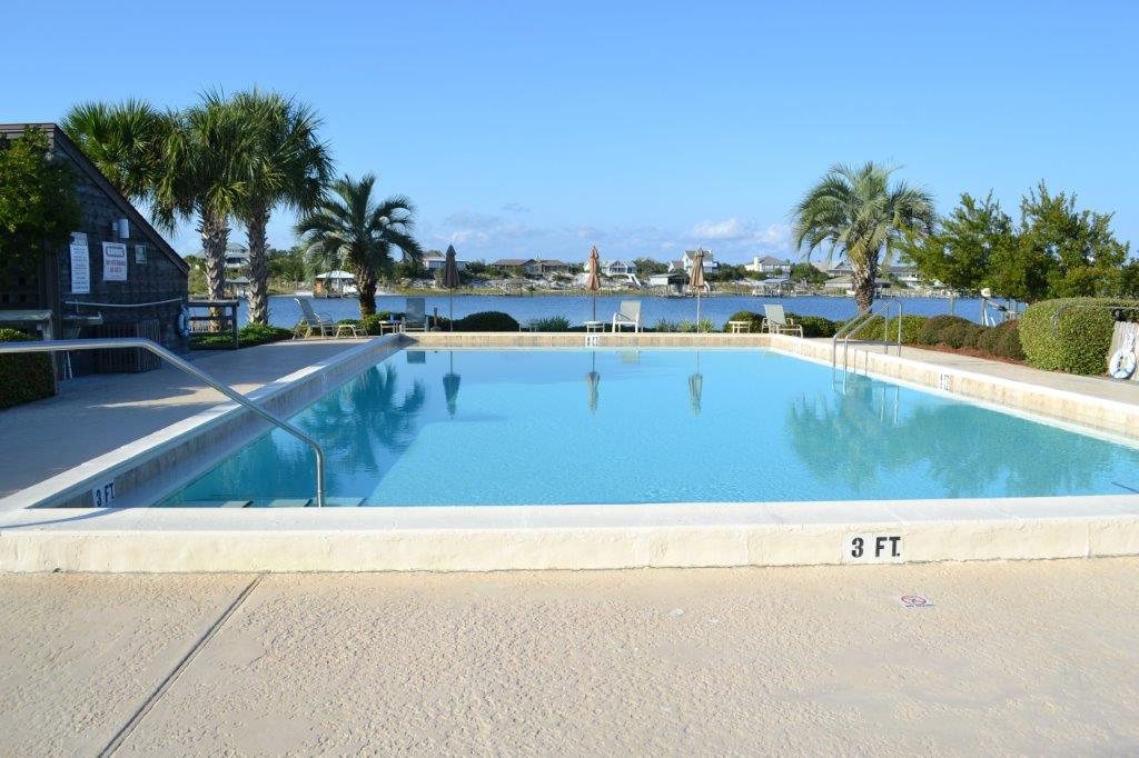 Riverside Pool.jpg