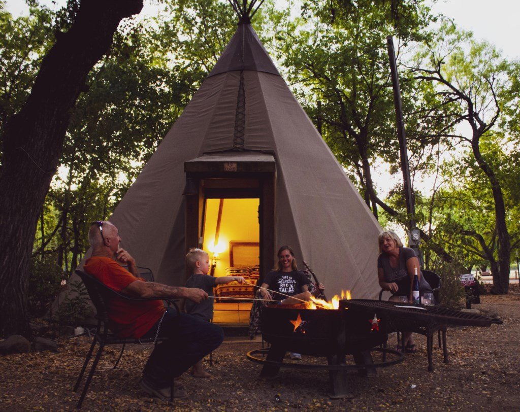 Enjoy Glamping with your friends!