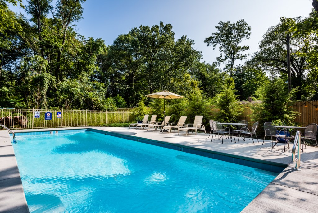 Private heated pool (16x40 / 3.5 to 6' deep) is calling your name!