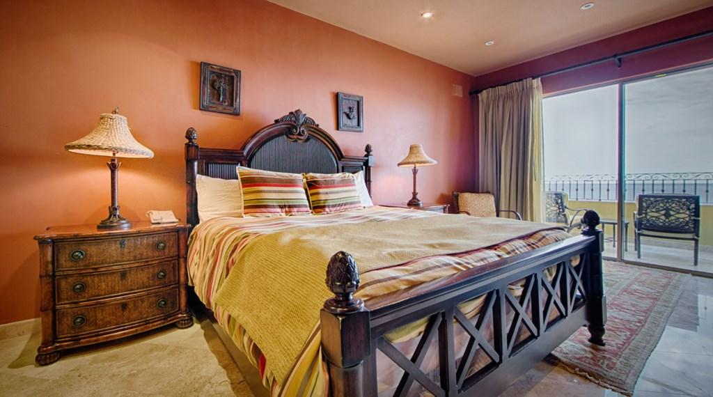 Villa-La-Estencia-3502-Bedroom1