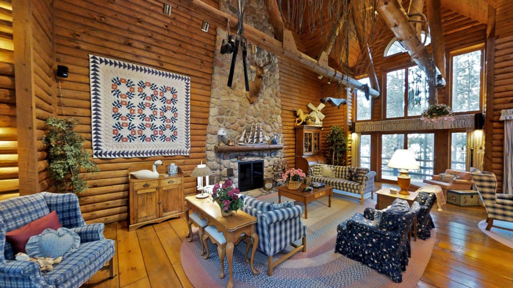 greatroom-cabin.jpg