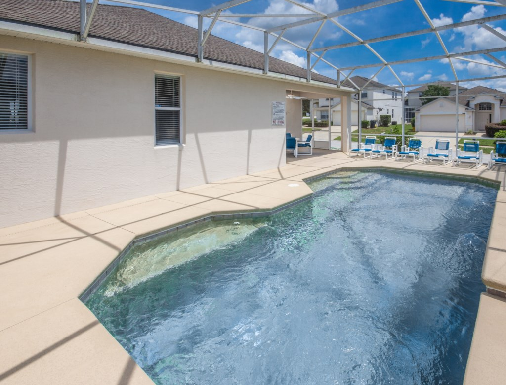 Private Screened In Swimming Pool