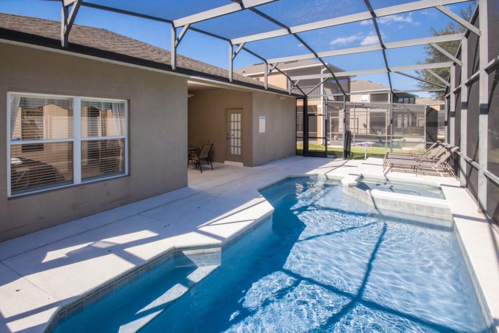 Enclosed Private Heatable Pool area