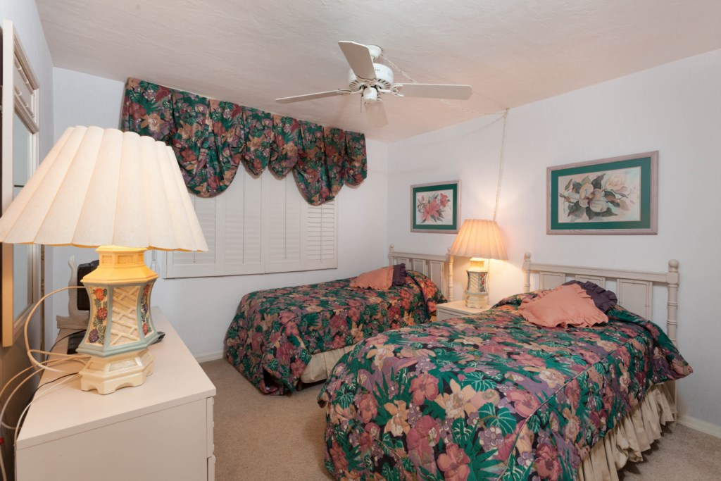 2nd Bedroom - Two Twin Beds