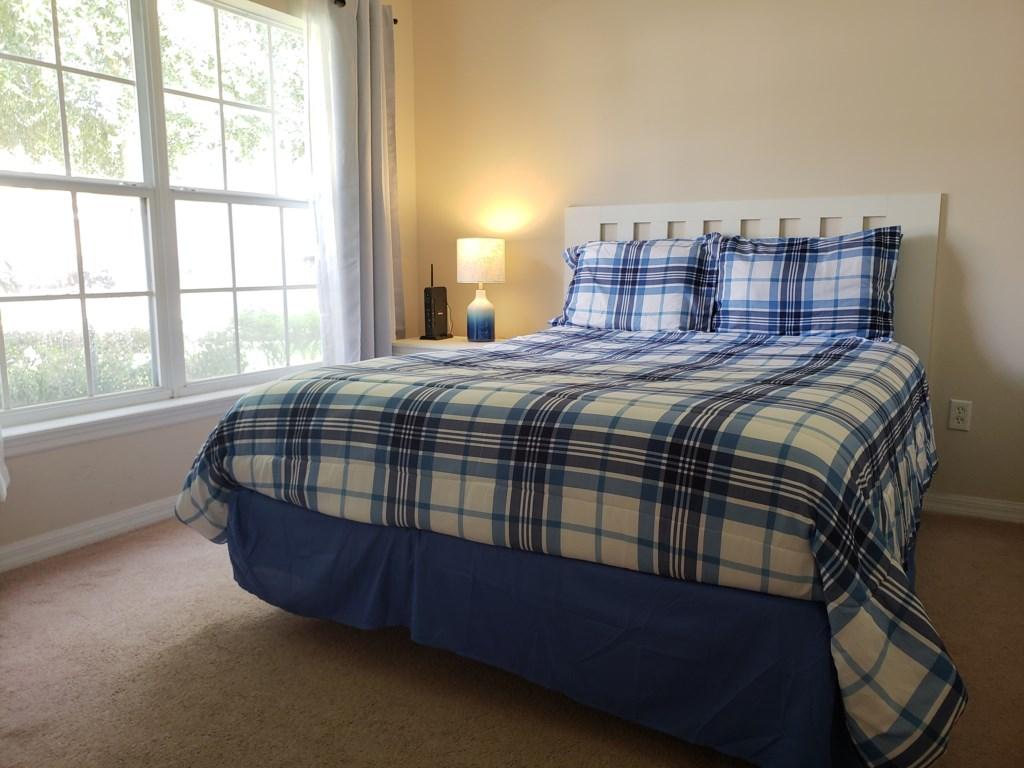 2nd Bedroom - Front of House - Queen Bed