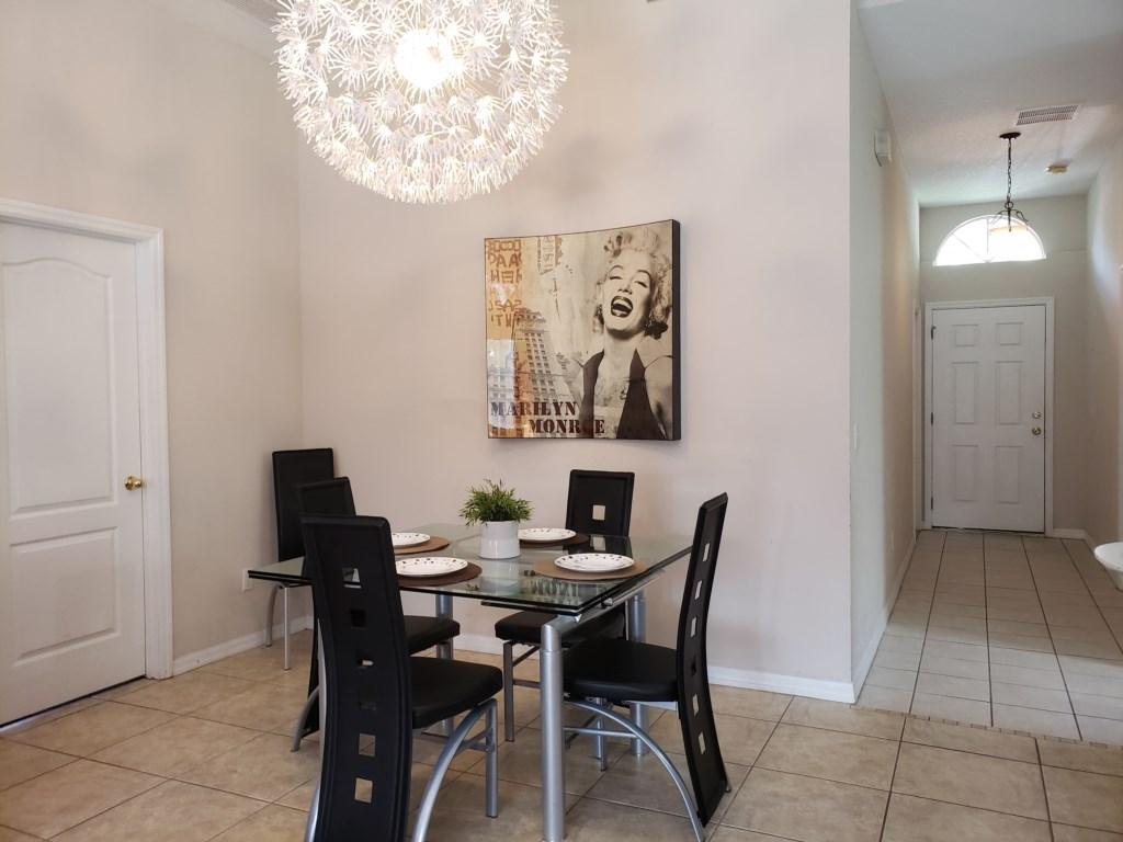 Dining Room - Seats 4