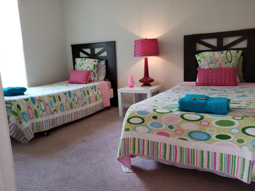 4th Bedroom - Two Twin Beds