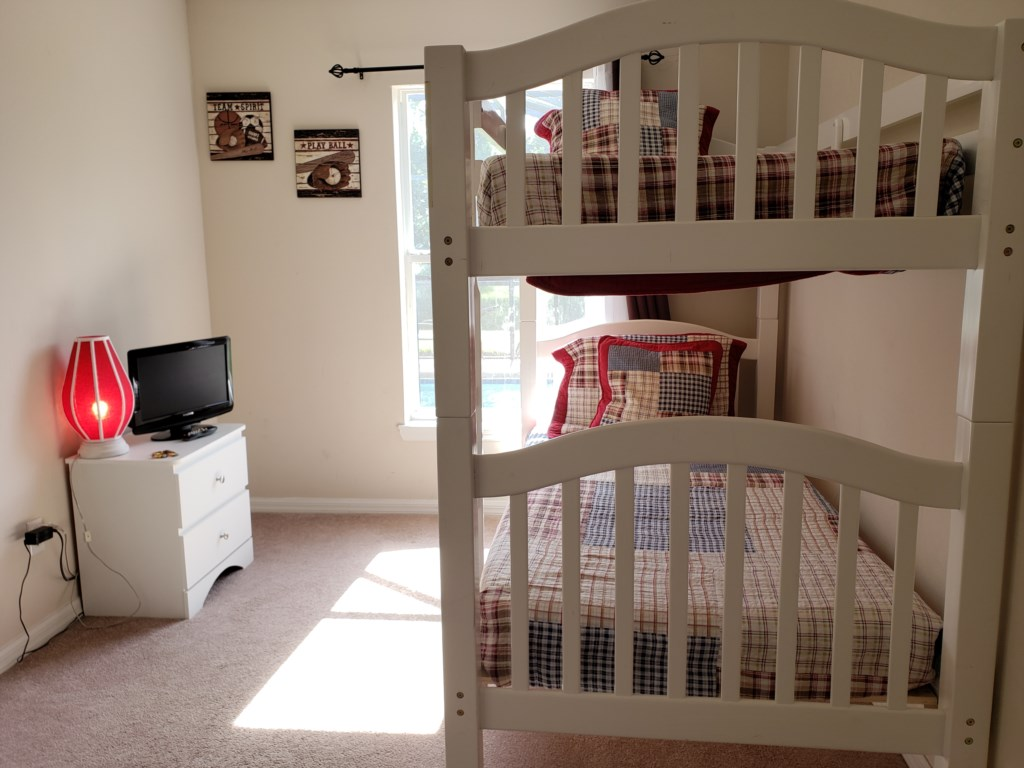 5th Bedroom - Bunk Beds - Two Twin Beds