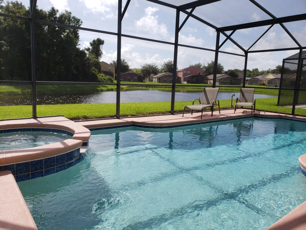 Private Heatable Pool & Spa W/Great Lake View