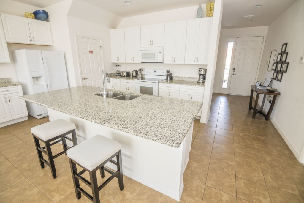 Lovely Fully Equipped Kitchen
