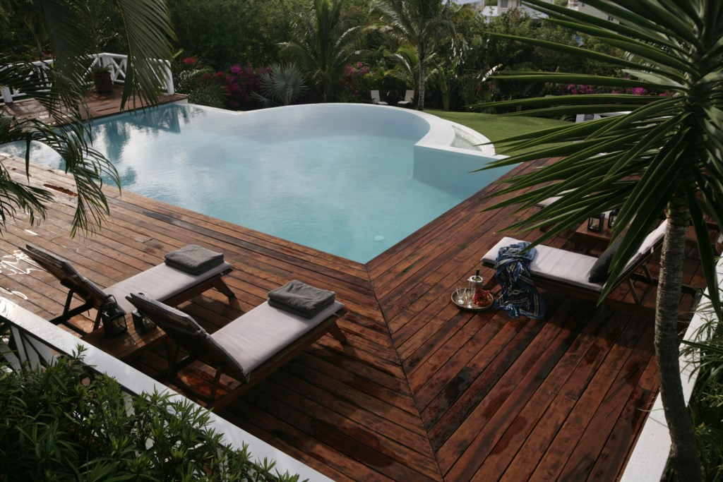 Large pool deck and pool