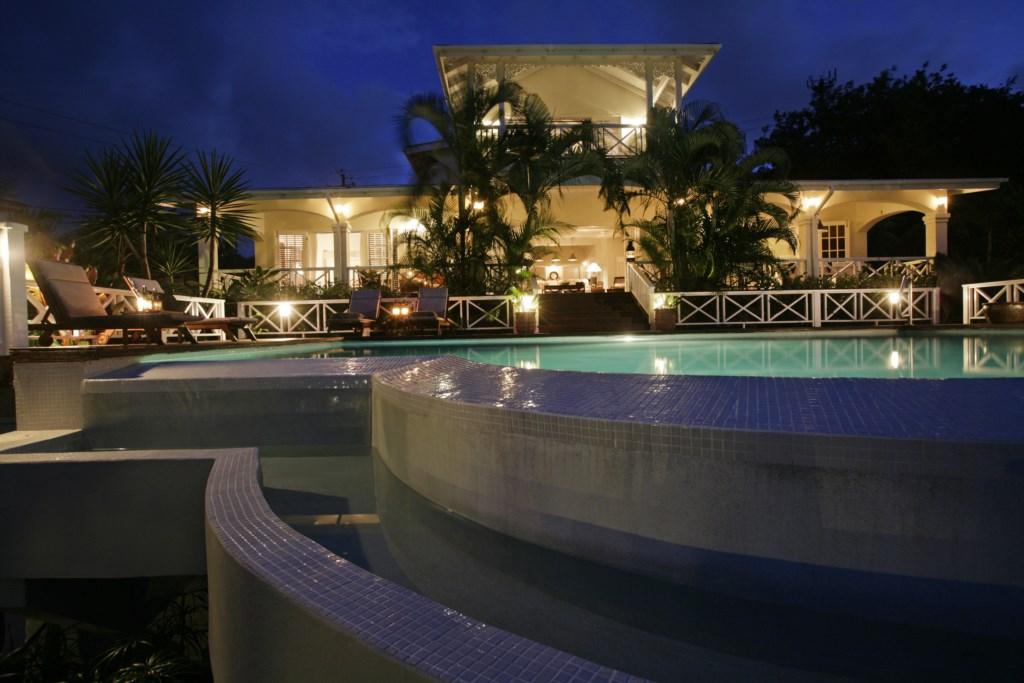 Villa Kessi at night