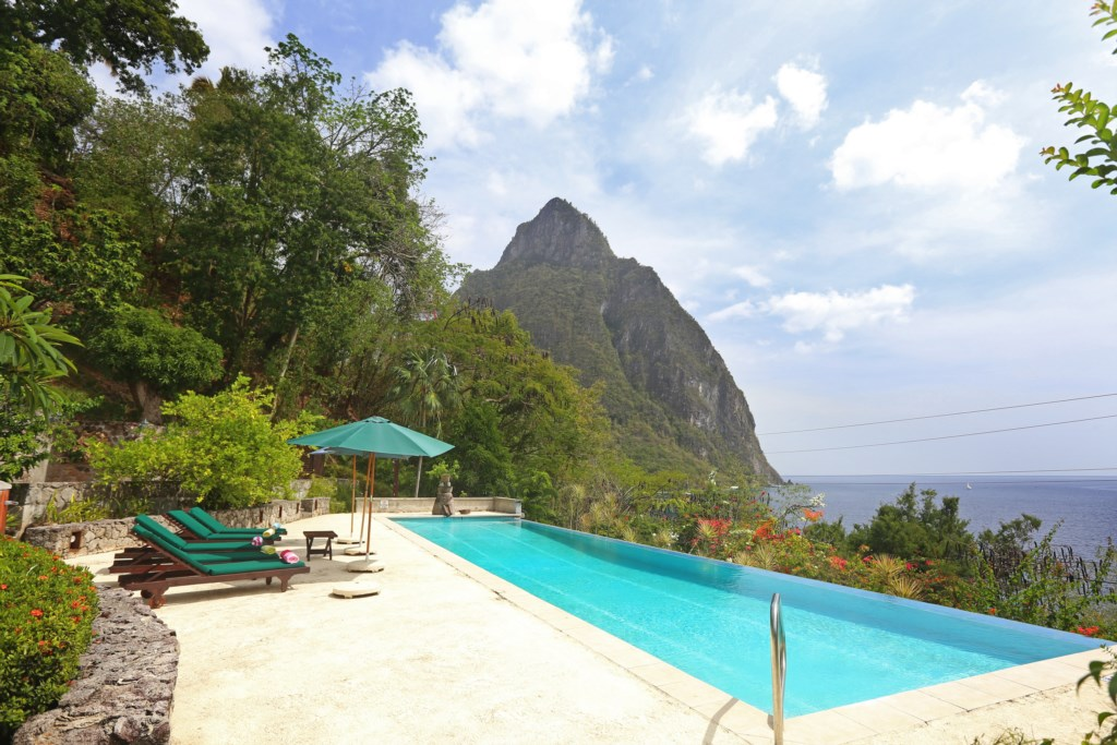 Huge lap pool with views of the World Heritage site