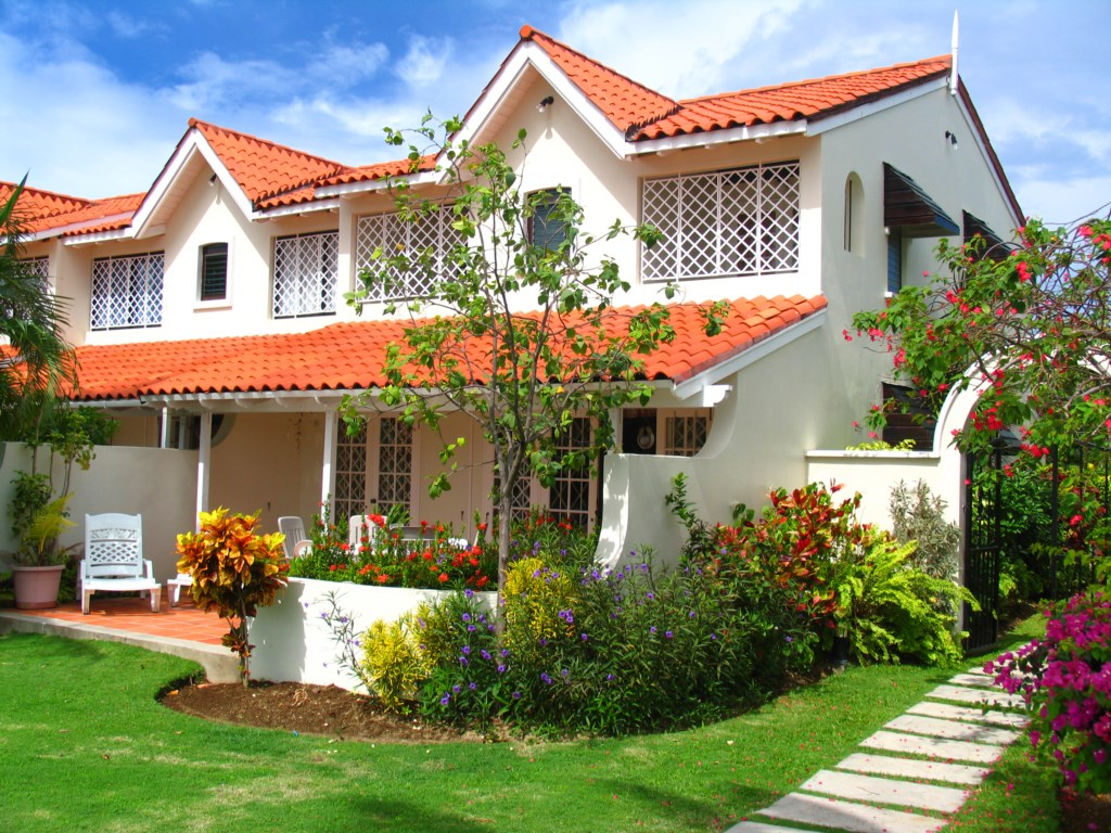 Property Exterior - Beautiful Gardens and Large Balcony