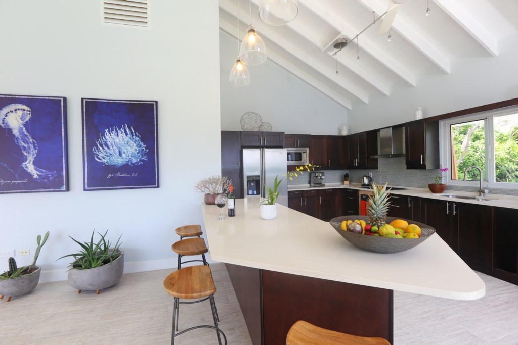Large fully equipped kitchen.