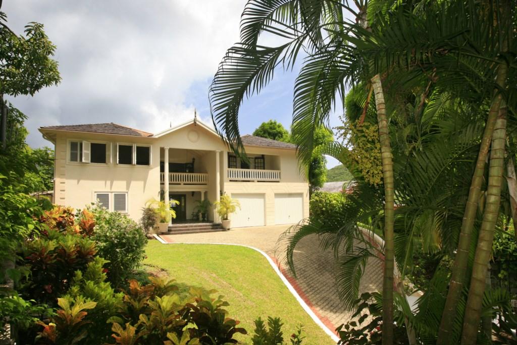Grand villa entrance