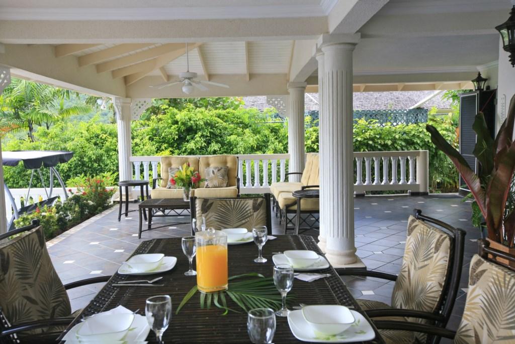 Enjoy Al fresco dinners on the large pool patio