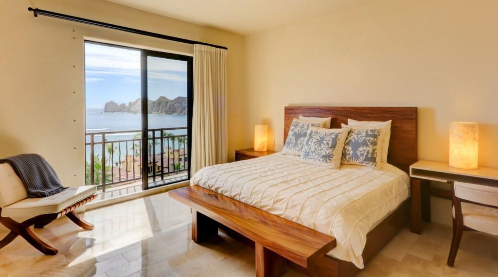 Hacienda_bldg3_Master_bedroom.jpg