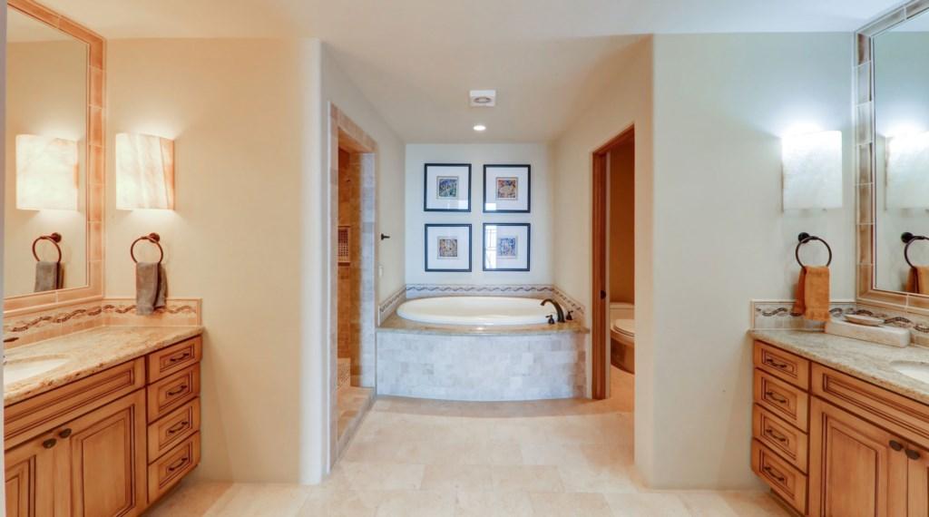 Hacienda_bldg3_master_bathroom_3.jpg