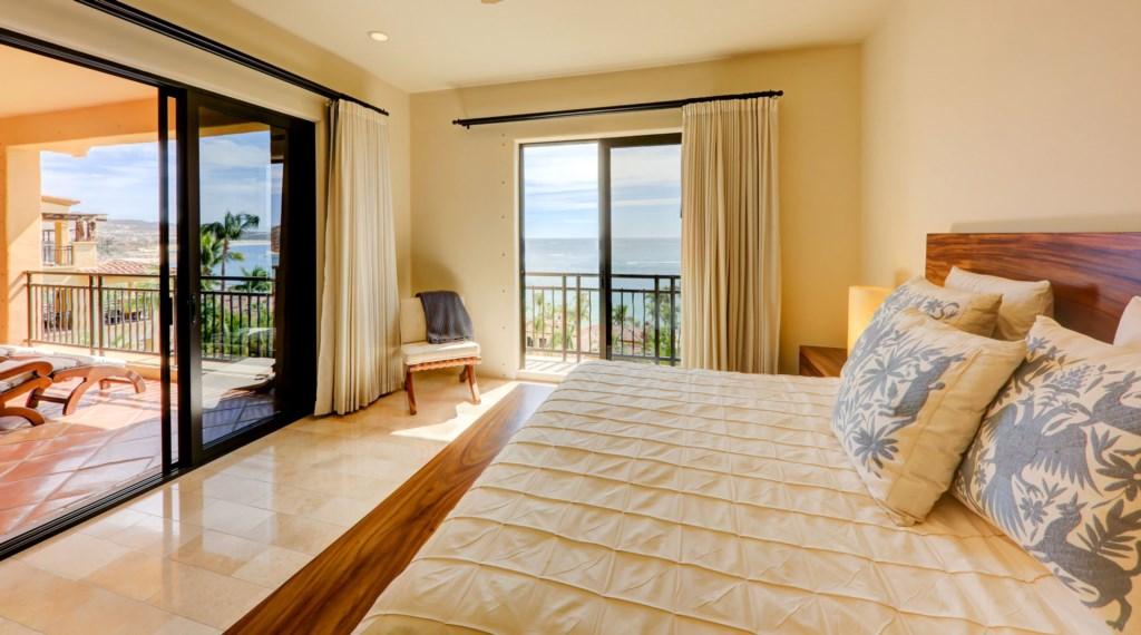 Hacienda_bldg3_master_bedroom_2.jpg