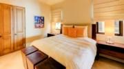 Hacienda_bldg3_bedroom1_2.jpg