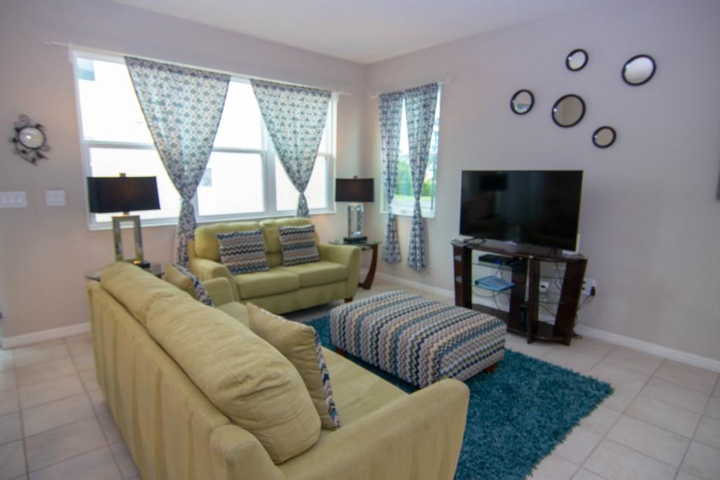 Amazing Livingroom with Big TV.jpg