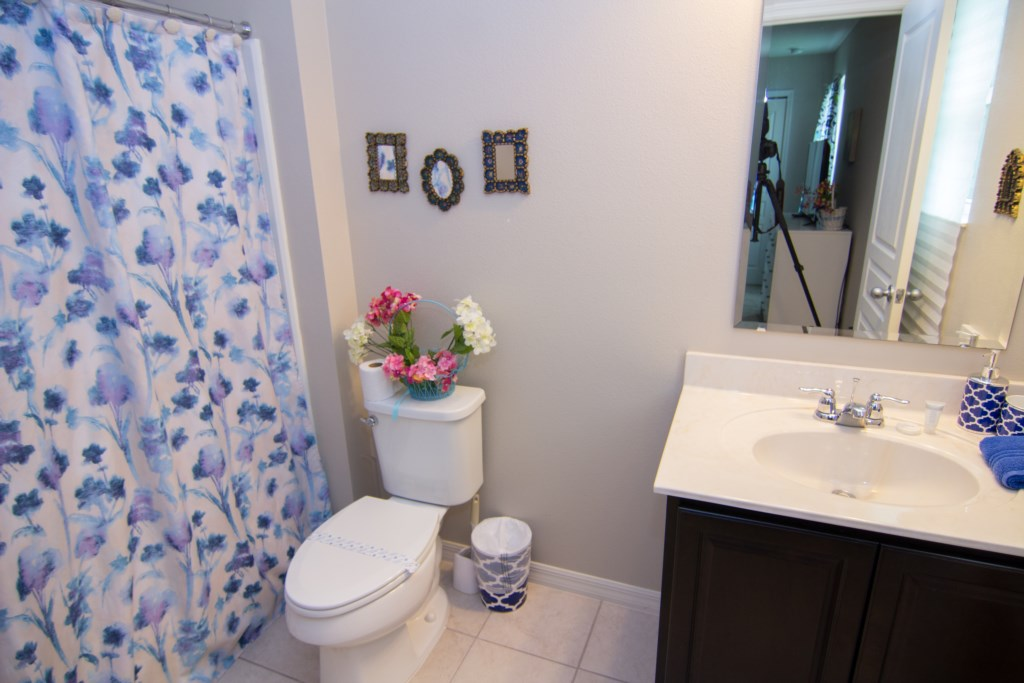 Master Bedroom 2 Bathroom.jpg