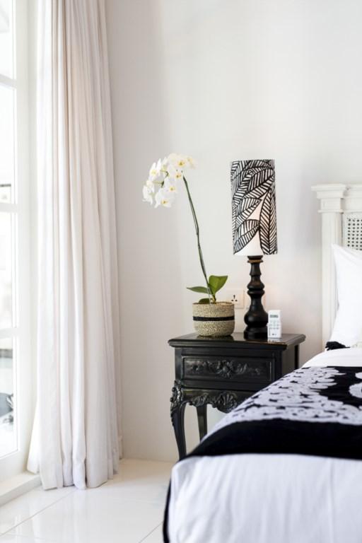 Bedroom_nightstand_vertical_2.jpg