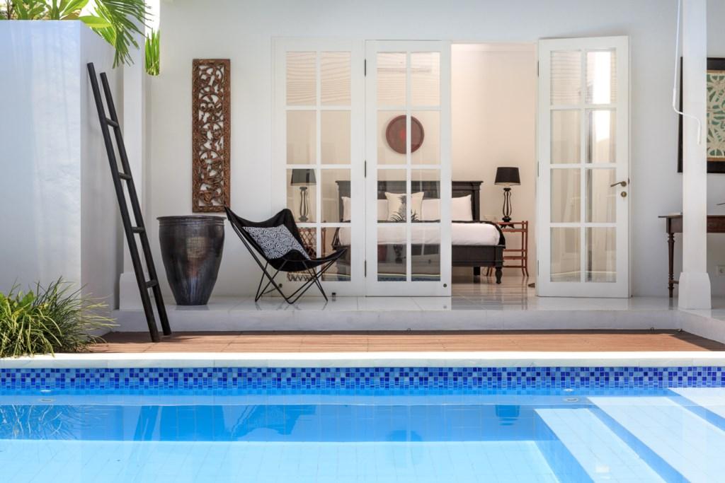 Pool_sundeck_view on masterbedroom.jpg