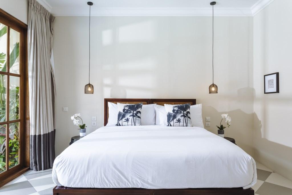 Villa Alliv Bedroom.jpg