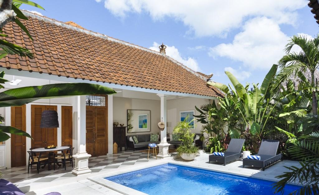 Villa Alliv Living Room and Swimming Pool.jpg