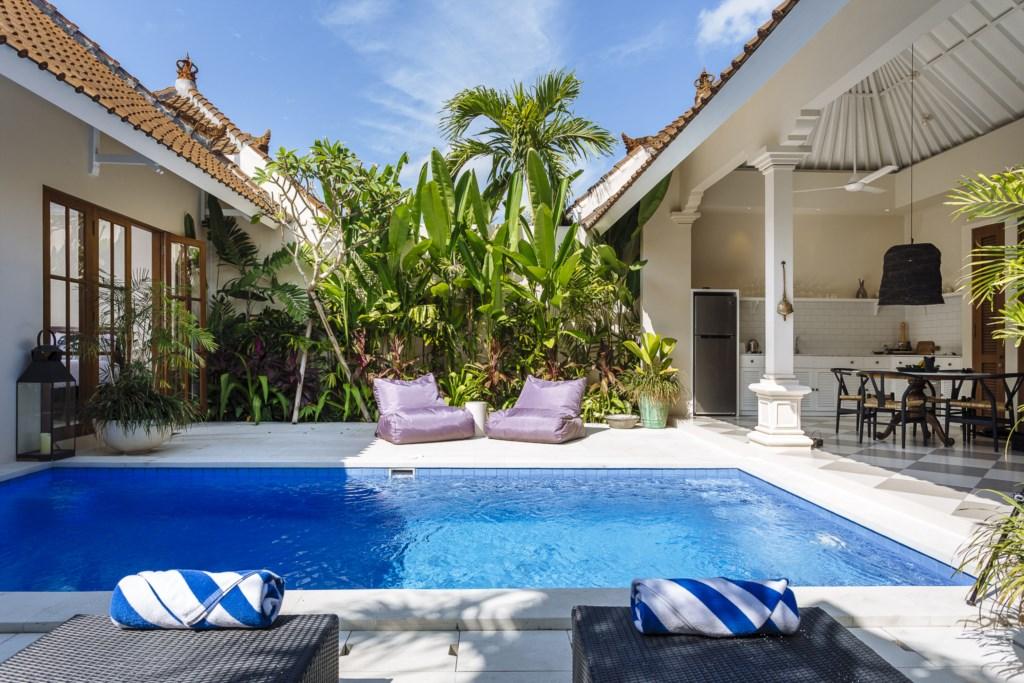 Villa Alliv Sun Bed View.jpg