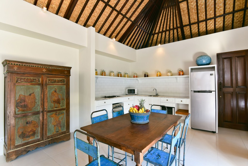 4-kitchen-villa-atma