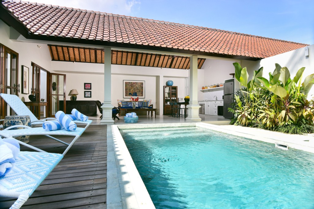 deck-pool-living-villa-merah