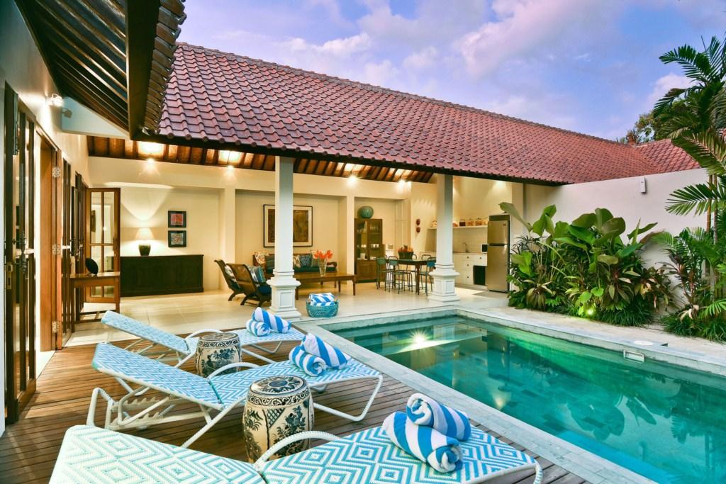 deck-pool-villa-view-dusk-merah