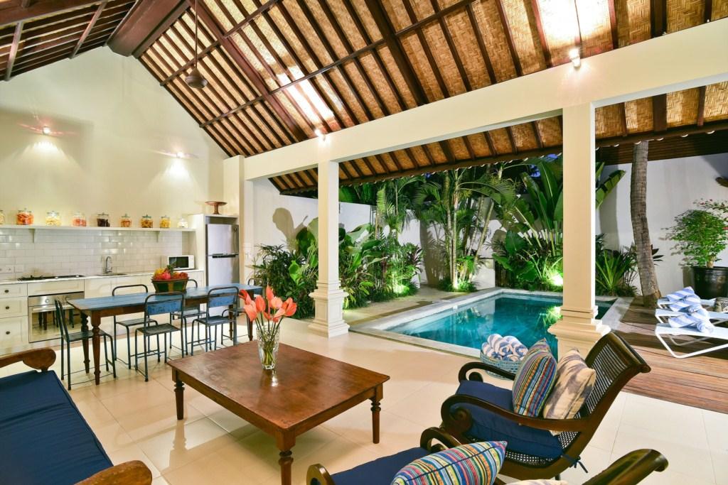 living-kitchen-pool-view-dusk-merah2