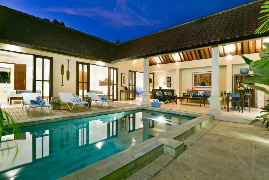 room-villa-pool-view-dusk-merah