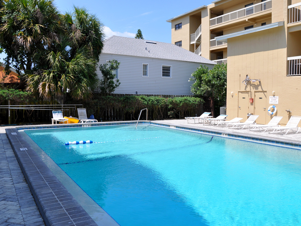 Villas_of_Clearwater_Beach_pool_05.jpg