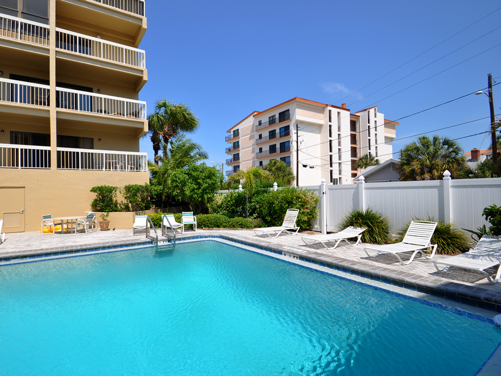 Villas_of_Clearwater_Beach_pool_06.jpg
