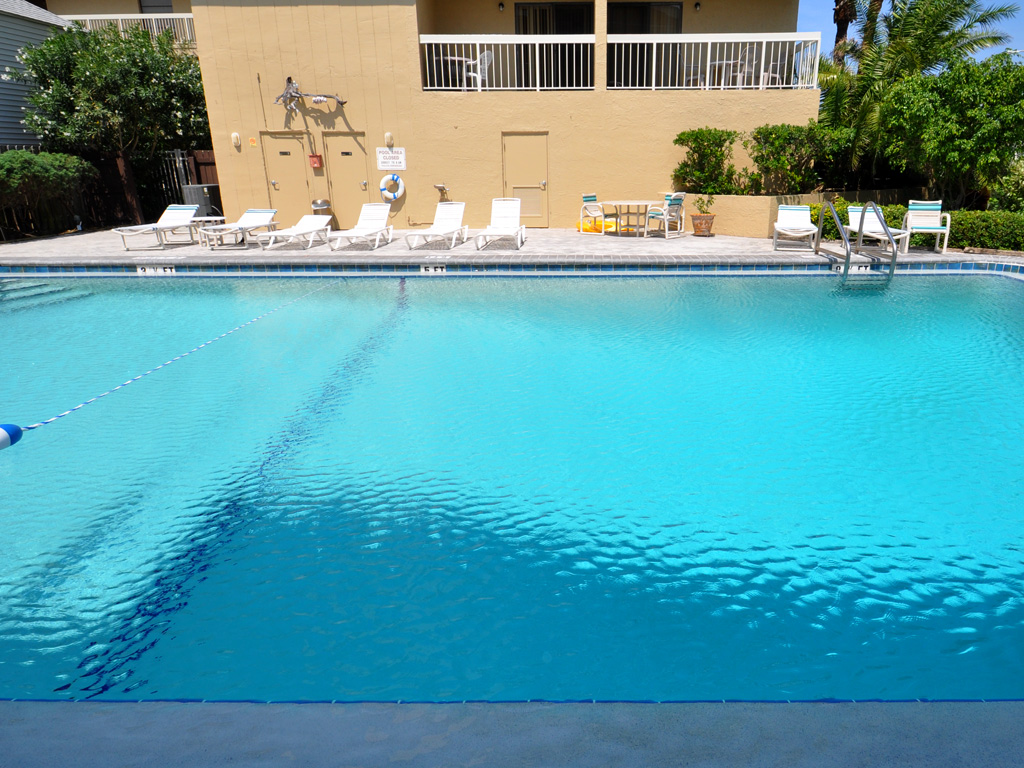 Villas_of_Clearwater_Beach_pool_07.jpg