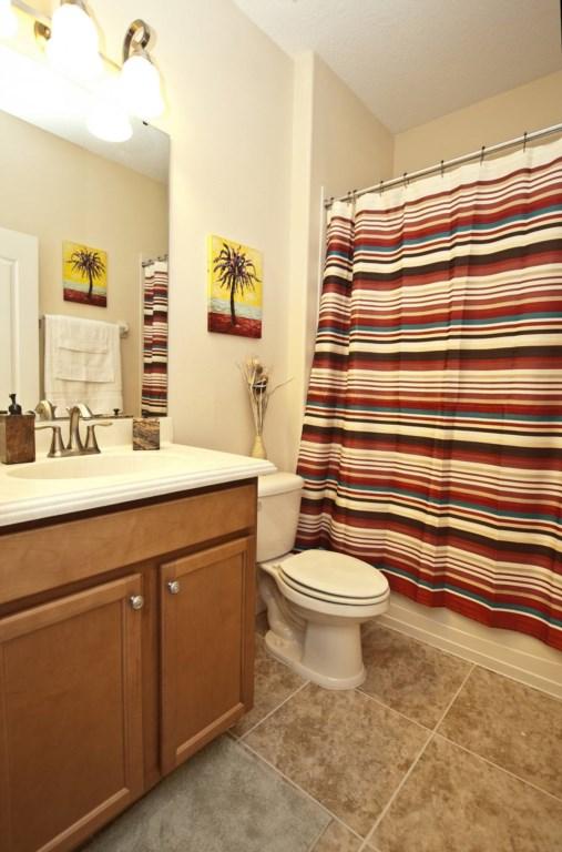 3102-Downstairs Guest Bathroom.jpg