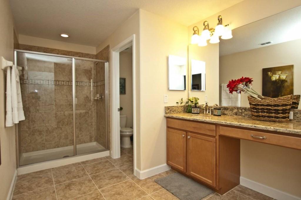 3102-Master Bath Upstairs 2.jpg