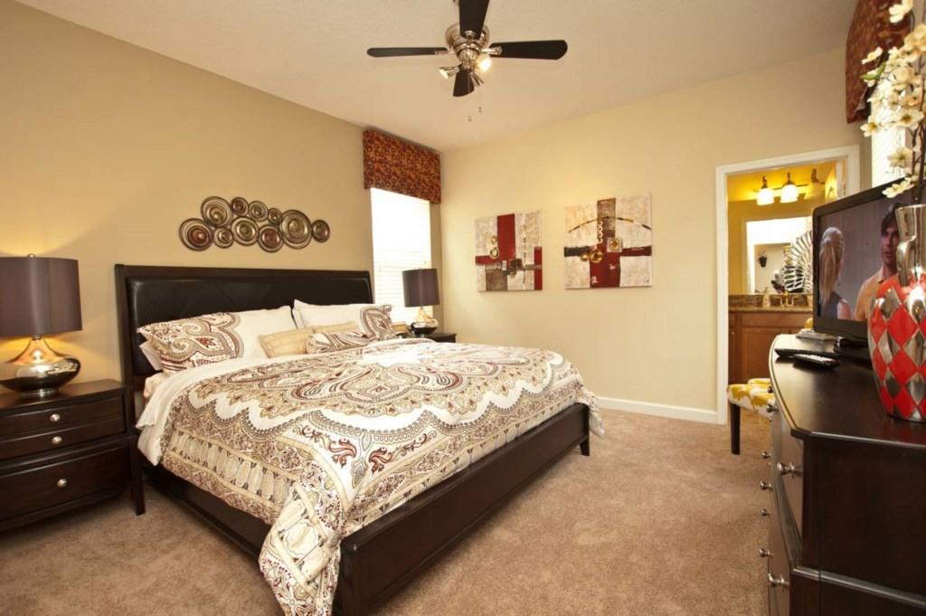 3102-Master Bedroom Downstairs3.jpg