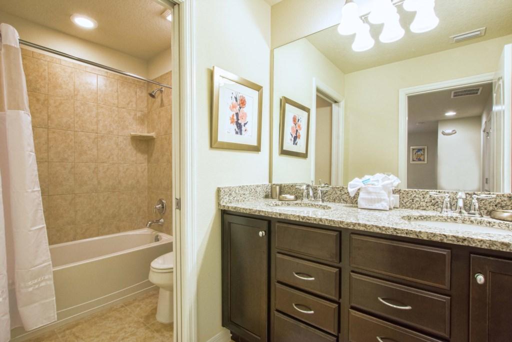 18-Bathroom2
