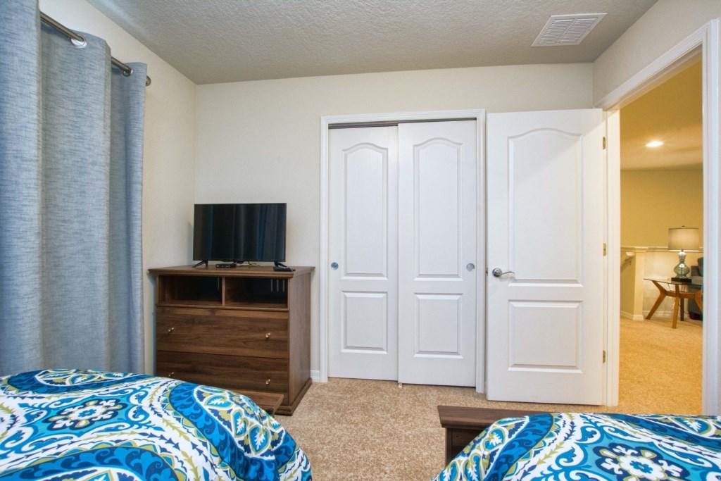 20-Bedroom32