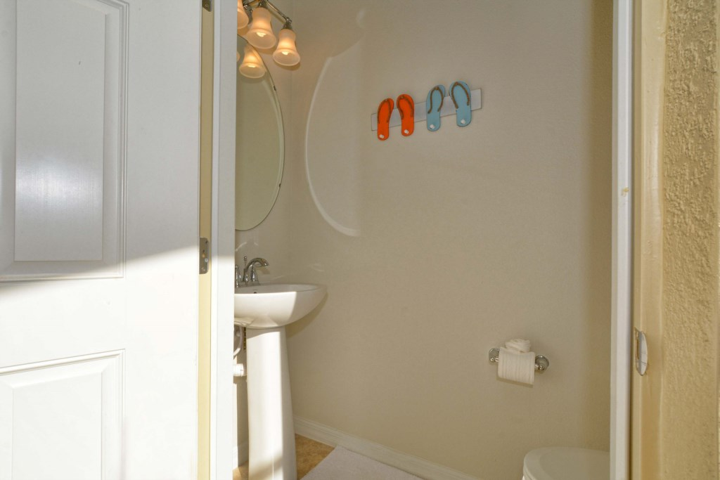 30-PatioBathroom