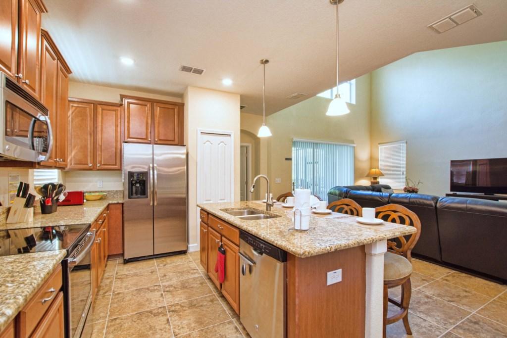 16-Kitchen2.jpg