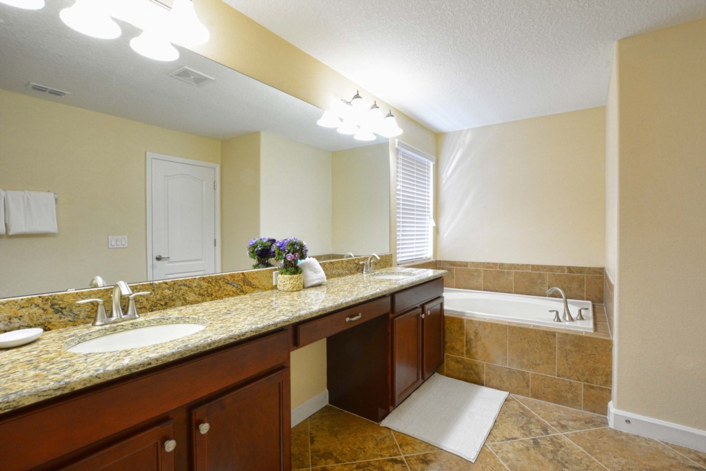 26-Bathroom3.jpg