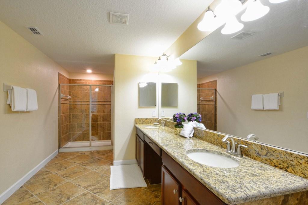 29-Bathroom4.jpg