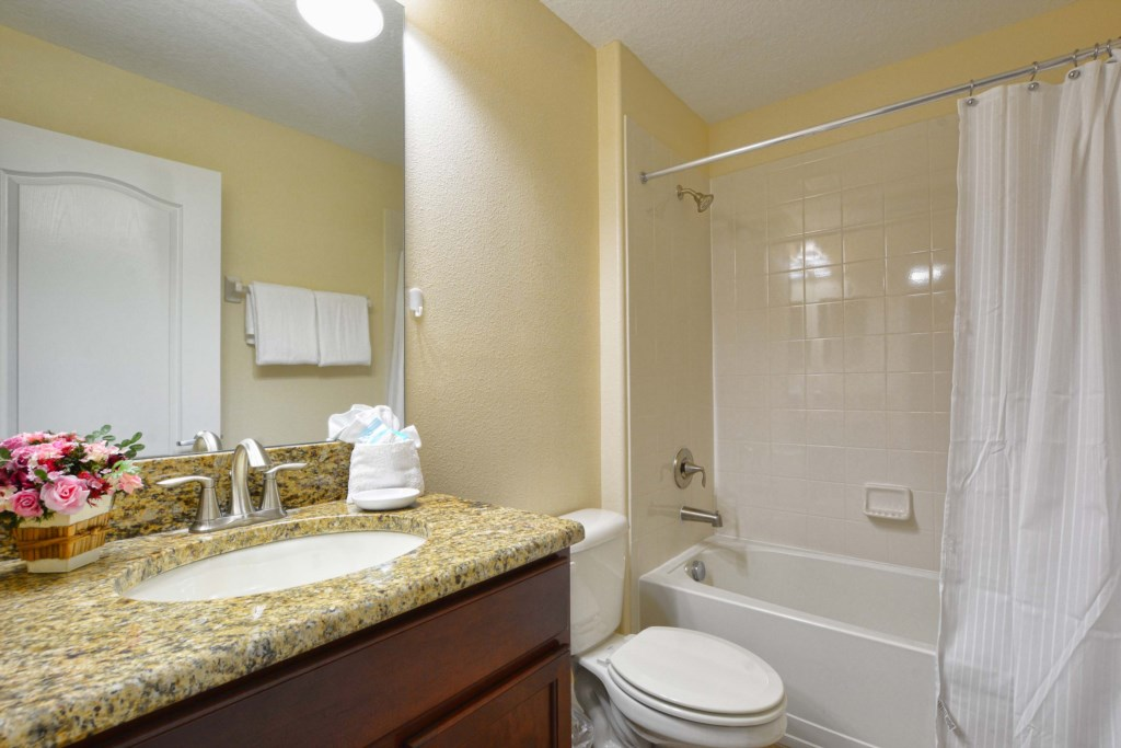 30-Bathroom5.jpg